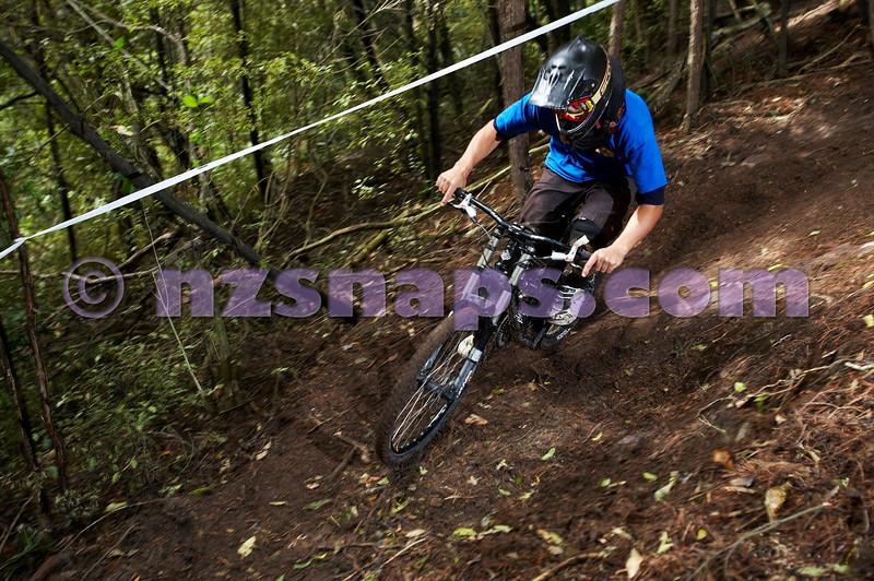 20101106_155122_NZSN3426