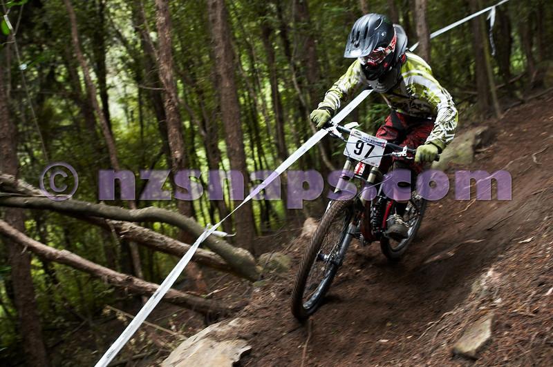 20101107_103306_NZSN3800