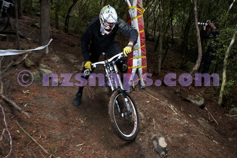 20101106_173315_NZSN3643