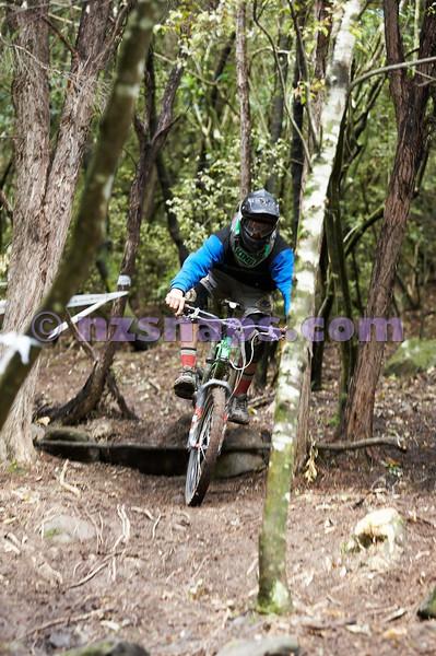 20101106_154039_NZSN3397