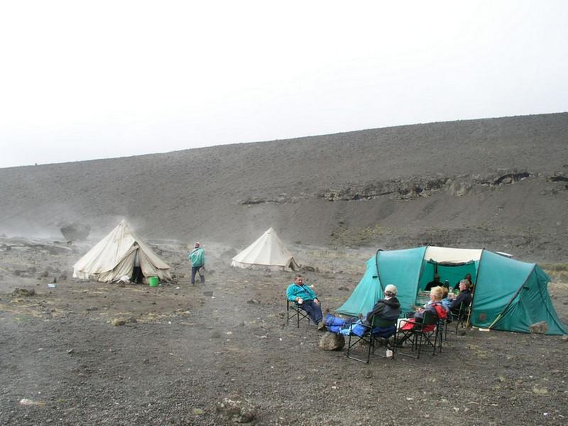 eating tent (Kilimanjaro, Tanzania 2005)
