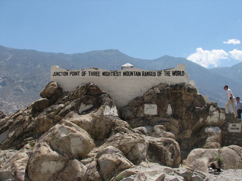 3 range point: Himalaya-Karakorum-Hindu Kush