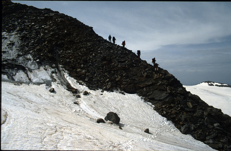 descent of the Hintereisspitze 3437m. (Vent, C1 course: rock and ice and tour, 1999)
