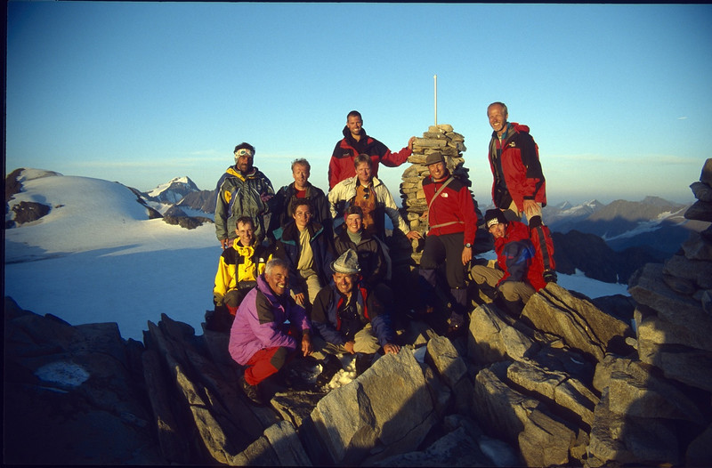 summit of the Dahmanspitze 3401m. (Vent, C1 course: rock and ice and tour, 1999)