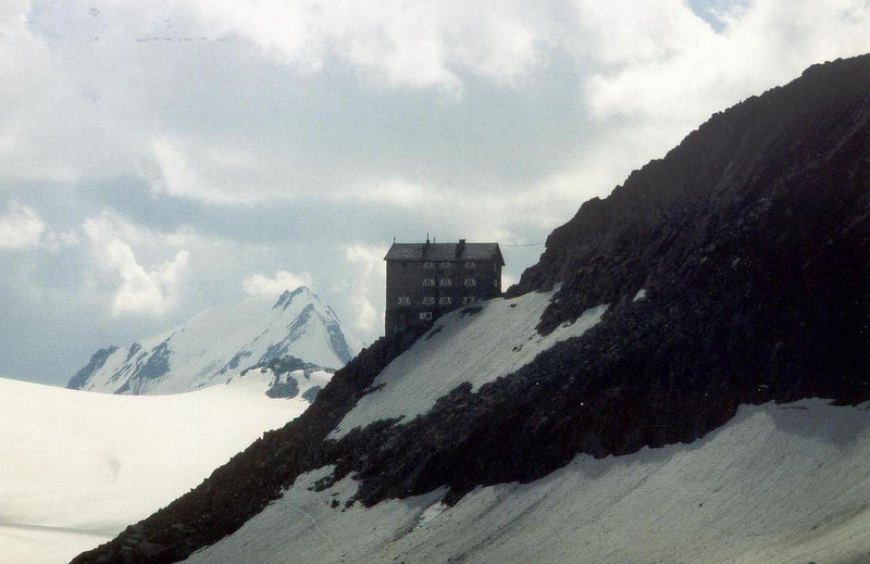 the Brandenburgerhaus DAV 3274m. (Vent, C1 course: rock and ice and tour, 1999)
