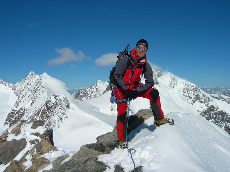summit of Piz Palu 3901m (background, Piz Bernina Biancagraat)