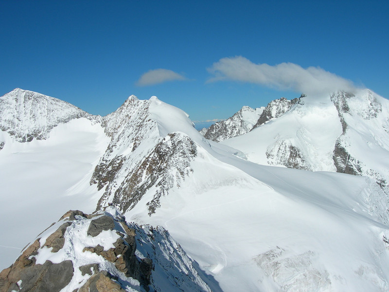West summit Piz Palu, Piz Spinas 3823m. (Background: Bellavista and Piz Bernina)