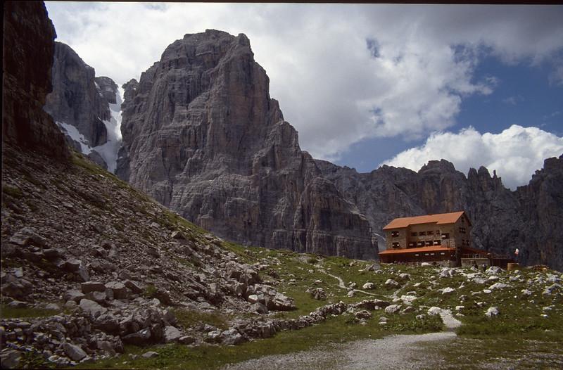 Rifugio Maria Alberto ai Brentei 2182m. (20-07-1993)
