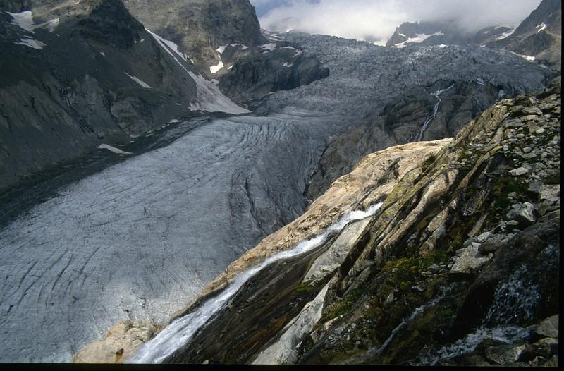 ascent to Rif. des Ecrins CAF 3175m. (the Ecrins 1992, 93)