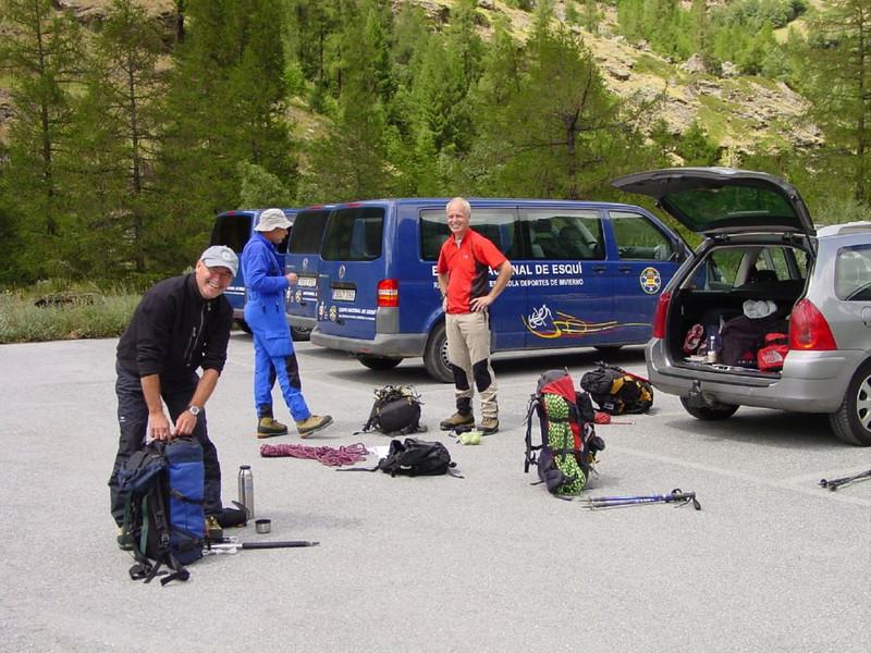 Parking Tasch. (Zermatt, ascent to the Rothornhutte)