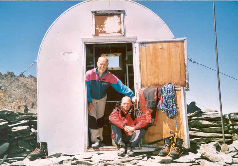 bivouac Gratton 3198m. (Gran Paradiso, Italy 2002)