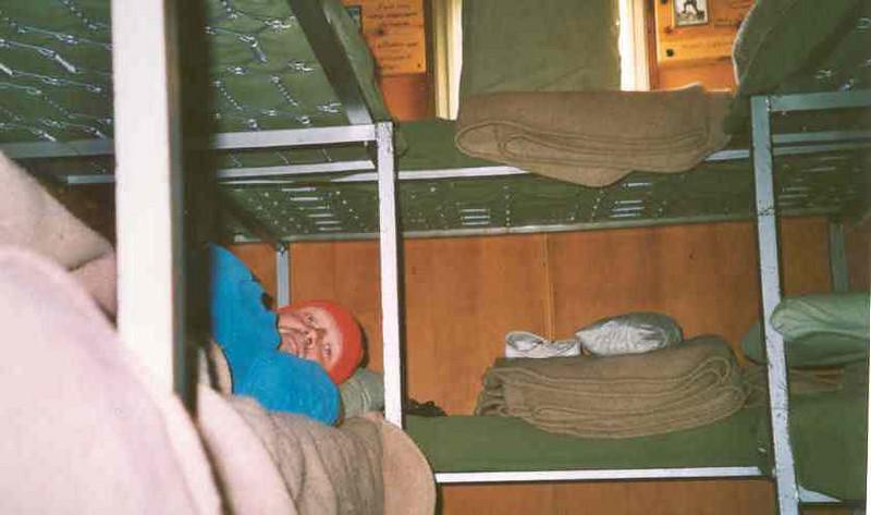 9 sleeping places in bivouac Gratton 3198m. (Gran Paradiso, Italy 2002)