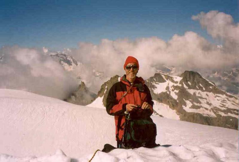 descent of the Gran Paradiso to Val Savaranche 1870m. (Gran Paradiso, Italy 2002)