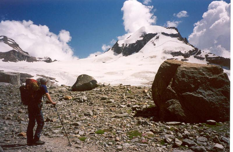 29 July ascent of the Ciarforon 3642m (Gran Paradiso, Italy 2002)