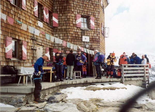 C II course in the Oberwalderhutte (Hohe Tauern, Snow and Ice II, 2000)