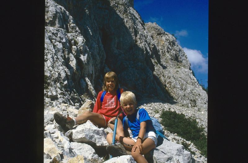 descent Mallestiger Mittagskogel 1816m. (Karawanken Austria 1987)