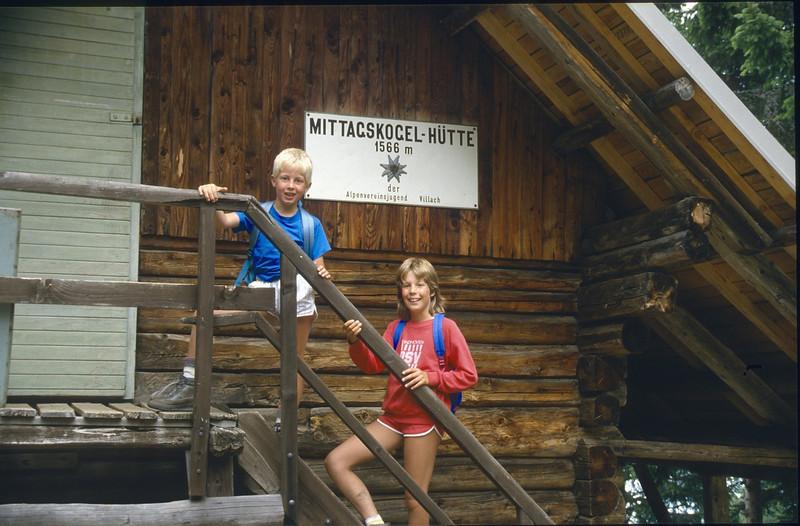 13 Aug. Mittagskogel Hutte 1566m. (Karawanken Austria 1987)