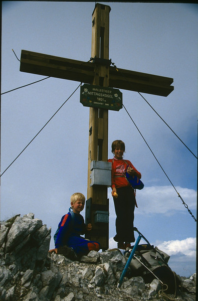 summit Mallestiger Mittagskogel 1816m. (Karawanken Austria 1987)