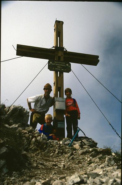 10 Aug. summit Mallestiger Mittagskogel 1816m. (Karawanken Austria 1987)