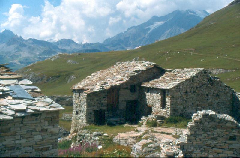 chalet du Santel 2347m. (La Vanoise, France 1998)