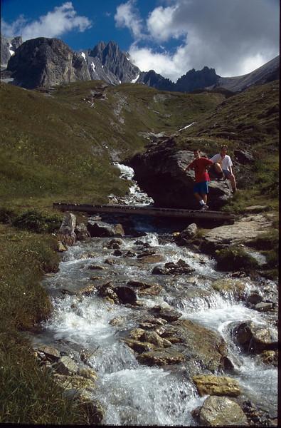 river crossing near Rif. du fond d' Aussois (La Vanoise, France 1998)
