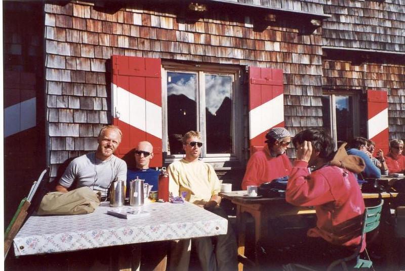 Karlsbader hutte OAV 2260m. Marijn, Ivan, Mark, Otto (Lienzer Dolomites, C II course Rockclimbing 2000)