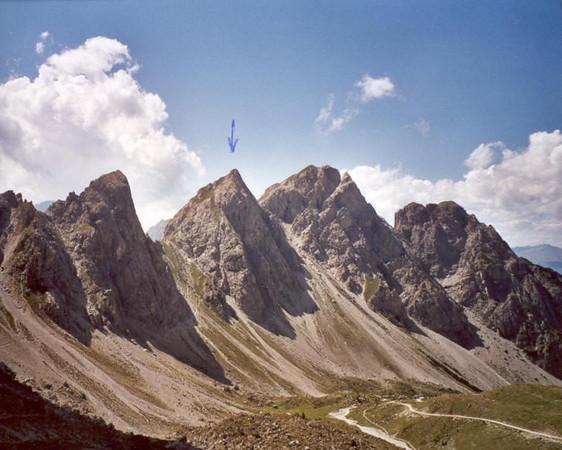 2 Aug. Kleinen Gamswiesenspitze  Northeast Side  8 SL (Lienzer Dolomites, C II course Rockclimbing 2000)
