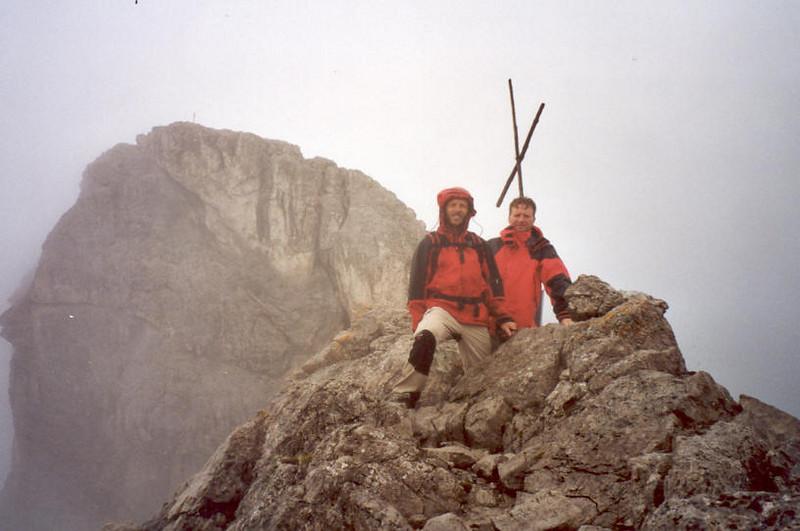 4 Aug. summit Schottnerspitze 2633m. (Lienzer Dolomites, C II course Rockclimbing 2000)