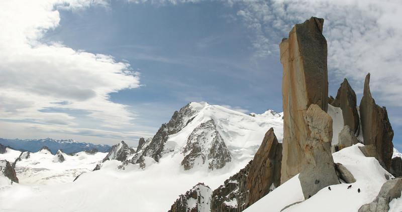 Nice view....Arét de Cosmiques 3795m - Aiguille du Midi 3842m
