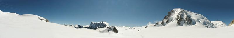 Panorama Les Grandes Jorasses  and Mont Blanc massif, Route Aiguille du Midi 3842m - Refuge Torino, Italy 3338m