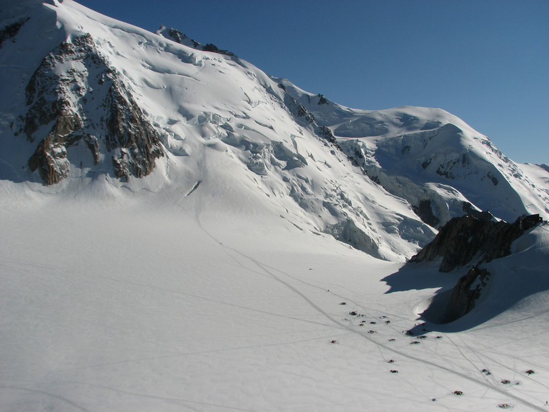 Mont Blanc du Tacul 4248m, campground and Refuge Cosmiques 3613m. Route: Helbronner 3462m - Aiguille du Midi 3842m (Telecabine Vallée Blanche)