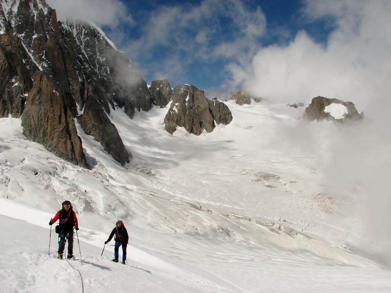 La Valée Blanche, route Aiguille du Midi 3842m - Refuge Torino, Italy 3338m