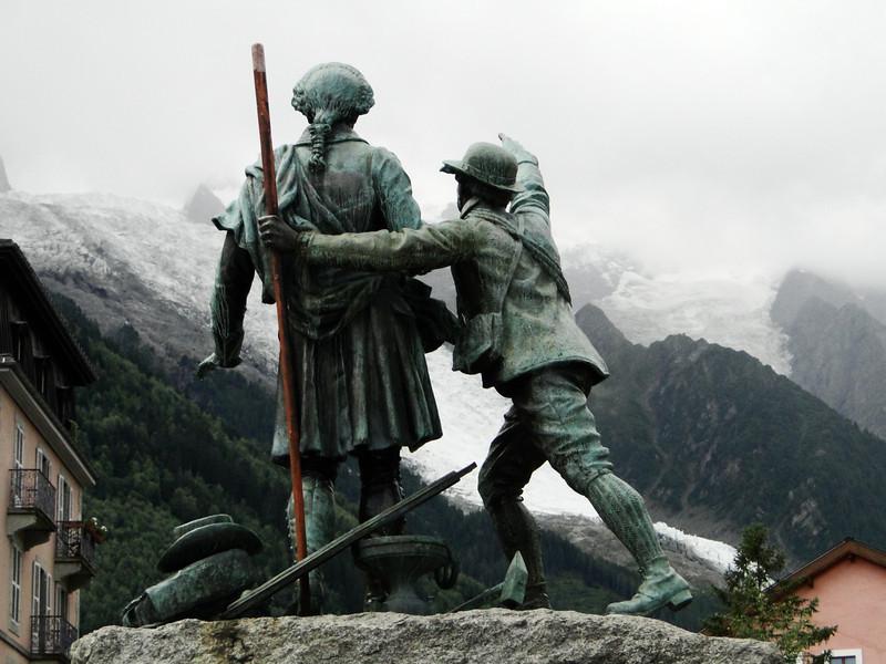Statue of Horace-Benedicte de Saussure, looking at the Mont Blanc summit, Chamonix