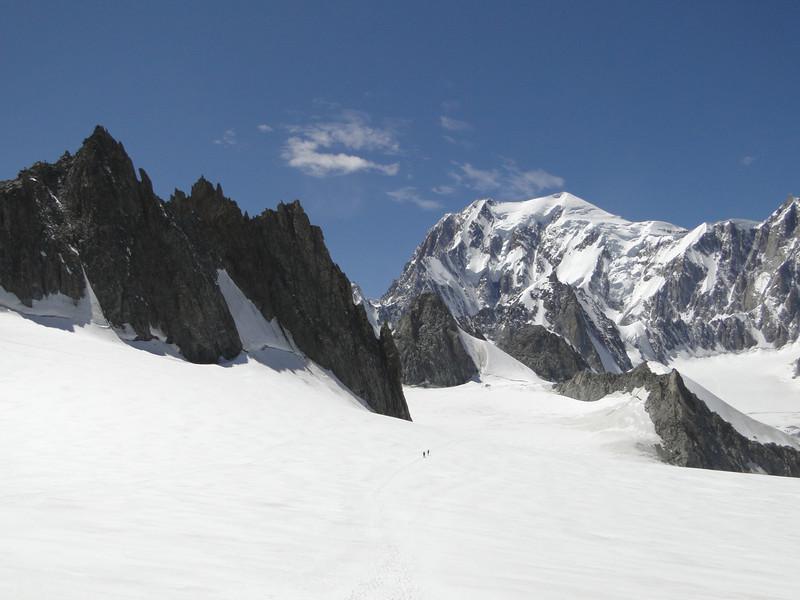 Mont Blanc 4810m, Refuge Torino, Italy 3338m - Arête de la Rochefort 3928m