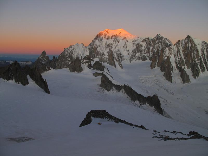 Mont Blanc catching the first sunlight, track Refuge Torino, Italy 3338m - Arête de la Rochefort 3928m ( Rochefort ridge)