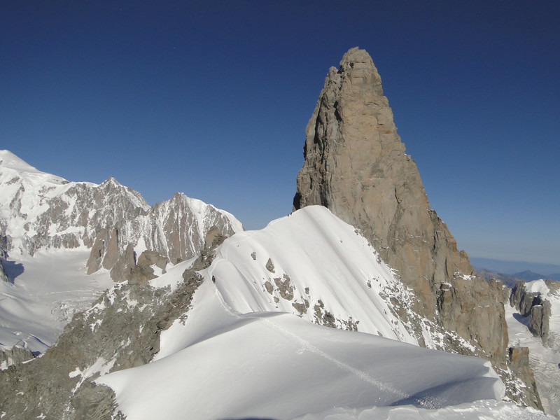 Dent du Geant 4013m and Arête de la Rochefort 3928m, route Refuge Torino, Italy 3338m - Arête de la Rochefort 3928m ( Rochefort arete)