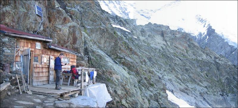 panorama with Refuge du Plan Glacier 2680m. (montblanc2005)