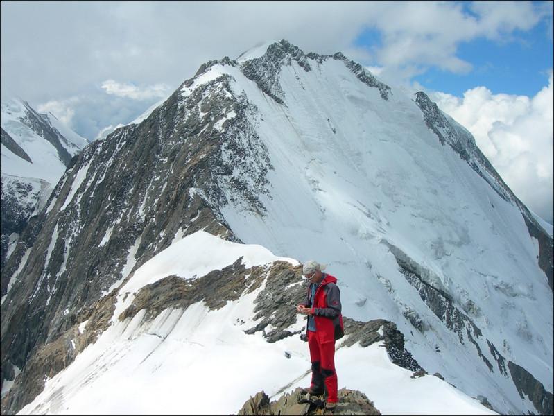 telephone call, Saskias birtday,  Col de Miage 3367m. (montblanc2005)