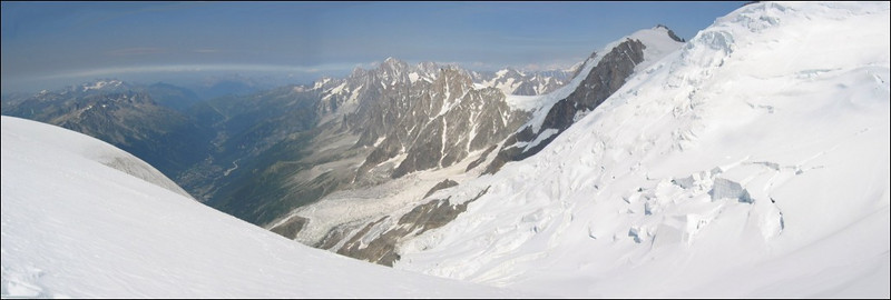 panorama:  Aig. du Gouter and Chamonix Valley (montblanc2005)
