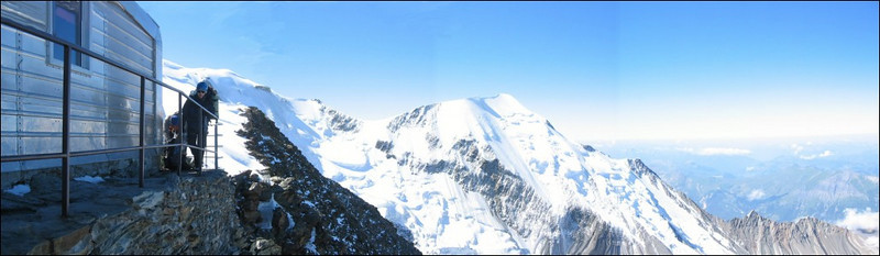 panorama with Ref. du Gouter, Mont Blanc and Aig. de Bionnassay (montblanc2005)