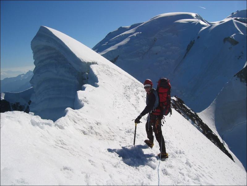 descent Aig. de Bionnassay 4052m. and ascent Piton des Italiens 4002m. (montblanc2005)