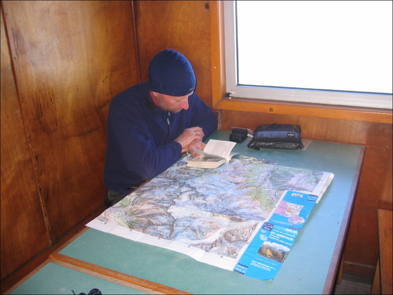Route preparation in Ref. de I'Aig. du Gouter 3817m. (montblanc2005)
