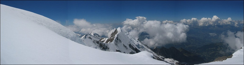 panorama with Dome du Gouter and Aig. de Bionnassay (montblanc2005)