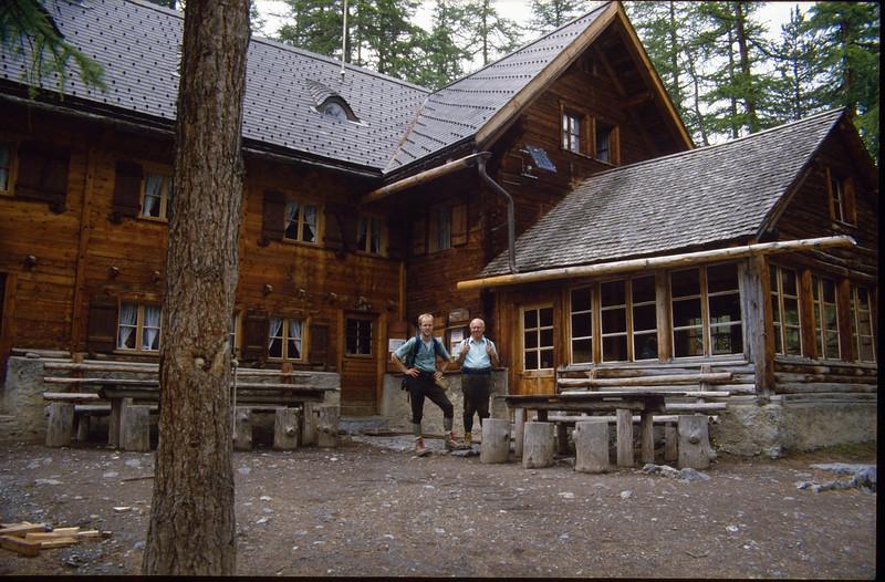 Blockhouse Val Cluoza 1882m (National Park Switzerland)