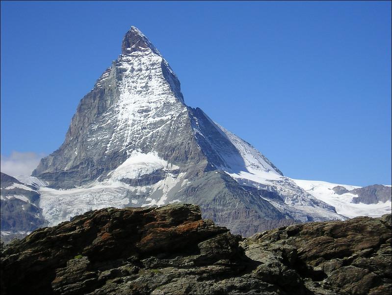 Matterhorn with Hornli- grat and hut (Wallis 2004)