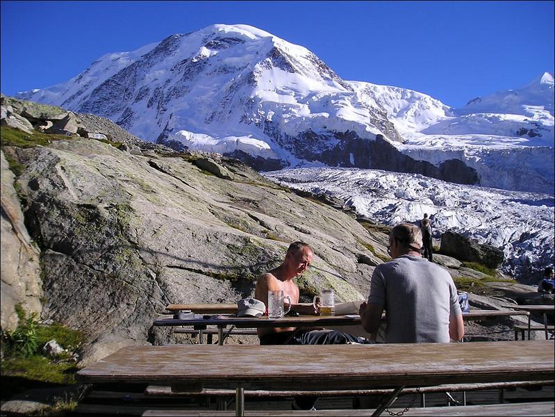 1 - 2 Sept. Monte Rosa hutte SAC 2795m. (Wallis 2004)