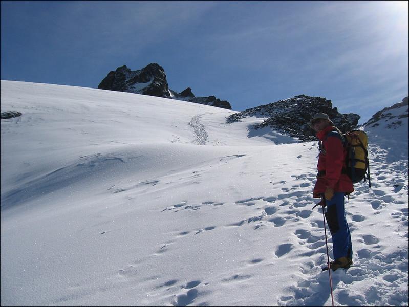ascent to the Rimpfischhorn 4199m. (Wallis 2004)
