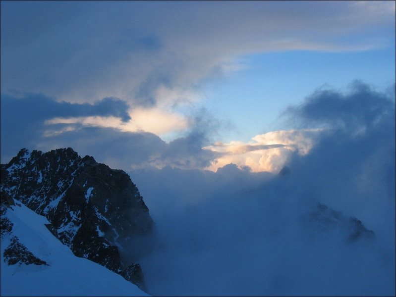 Sunset with the Dufourspitze 4634m. (Wallis 2004)