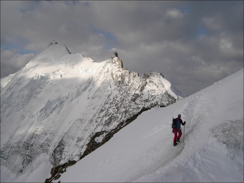 ascent of the Bishorn 4153m. In the background Grosse Gendarme and Weisshorn. (Wallis 2005  Zinal)