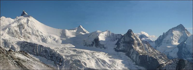 Zinalrothorn 4221m.Ober Gabelhorn 4063m. Besso. Dent Blanche 4357m. (Wallis 2005  Zinal)